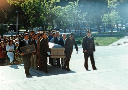 6 maj 1995. Ceremonia shtetërore e kthimit të eshtrave të Bilal Xhaferrit në atdhe